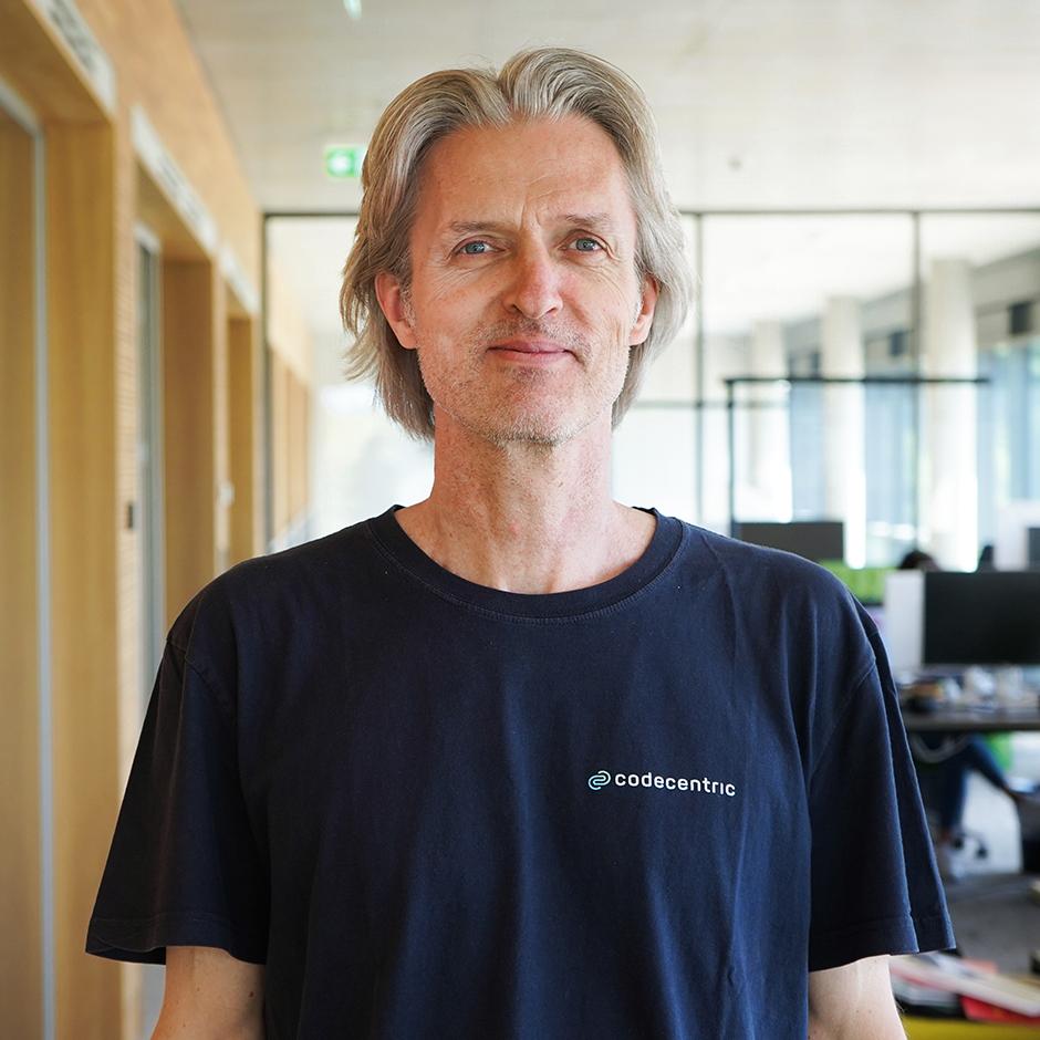 Uwe Friedrichsen CTO codecentric AG - Autor Accelerate IT Positionspapier